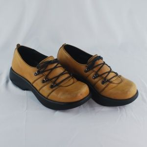 Dansko | Light Brown Lace Up Portugal Shoe - 37